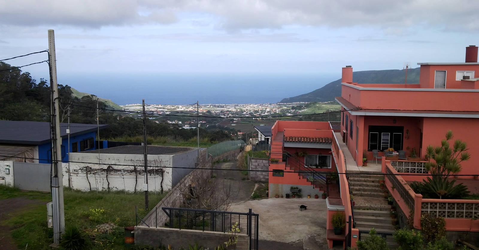 Тенерифе океан вдалеке