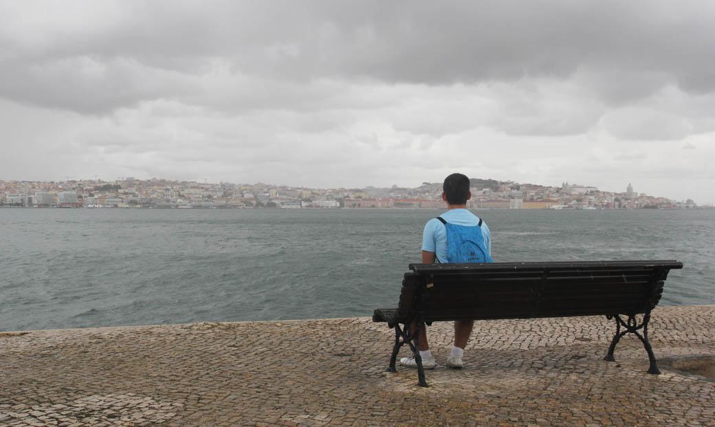 лавочка с хорошим видом на Лиссабон