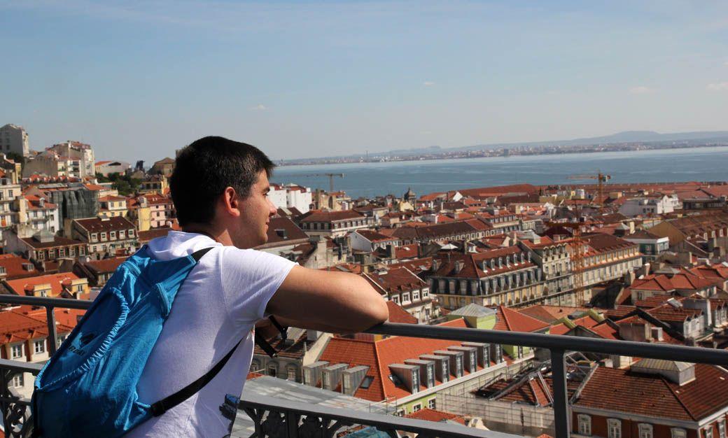 Вид на Лиссабон с лифта Санта Жушта