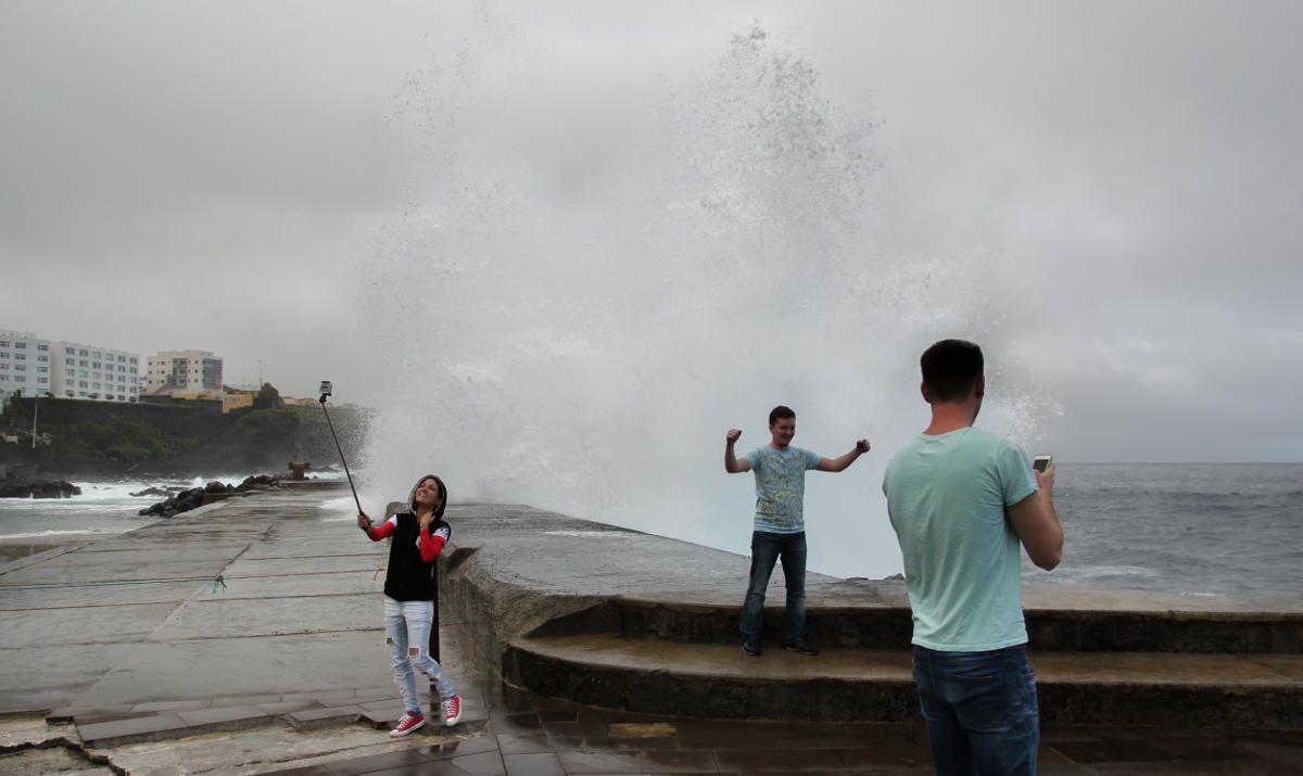 Волны в Бахамаре