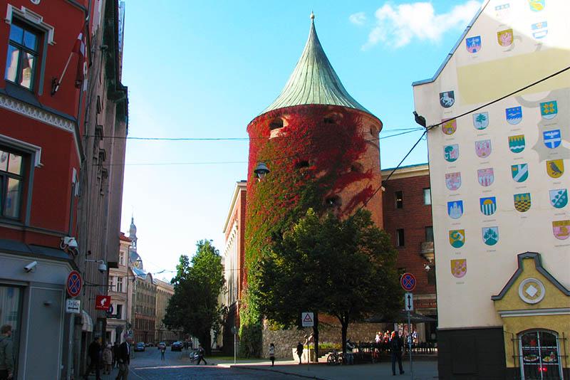 Пороховая башня (Pulvertornis)