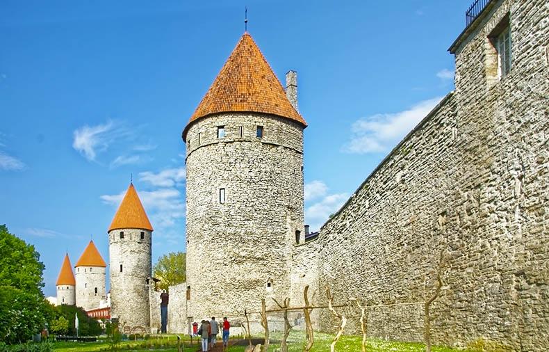 Таллинская городская стена (Tallinna linnamüür)2