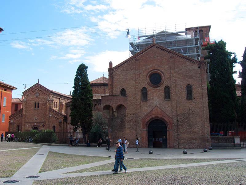 Санто-Стефано (Basilica di Santo Stefano)