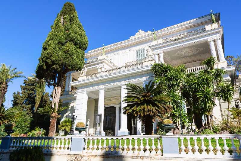 дворец Ахиллеон