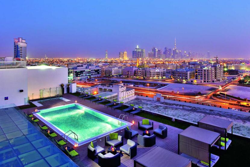 Estrellas Rooftop Lounge